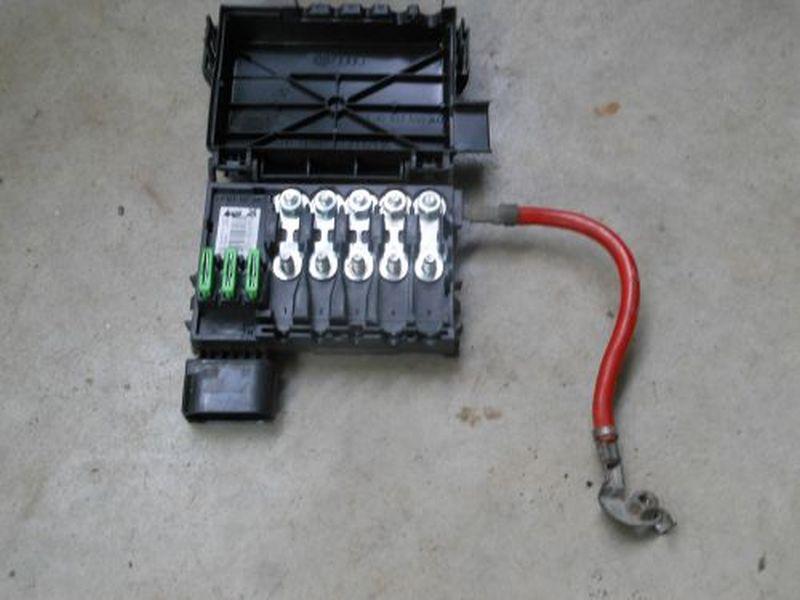 Sicherungskasten gerader SteckereingangVW GOLF IV (1J1) 1.9 TDI